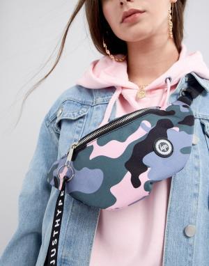 Hype Сумка-кошелек на пояс с камуфляжным принтом. Цвет: розовый