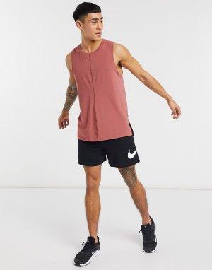 Красный жилет Nike Yoga Dry Training
