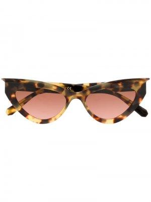 Солнцезащитные очки в оправе кошачий глаз Philipp Plein. Цвет: коричневый
