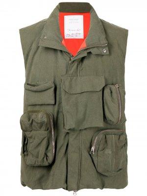 Жилет с карманами Readymade. Цвет: зеленый