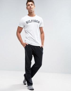 Черный хлопковые брюки классического кроя Tommy Hilfiger. Цвет: черный