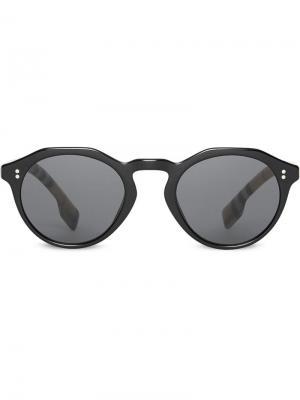 Солнцезащитные очки в круглой оправе клетку Vintage Check Burberry Eyewear. Цвет: черный