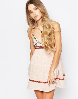 Платье-майка с вышивкой Boho Raga. Цвет: розовый