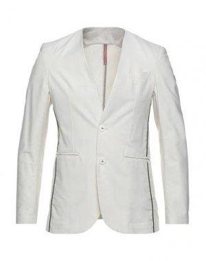Пиджак OUTFIT. Цвет: бежевый