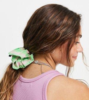 Розово-зеленая резинка для волос из жатой ткани в клетку COLLUSION-Multi Collusion