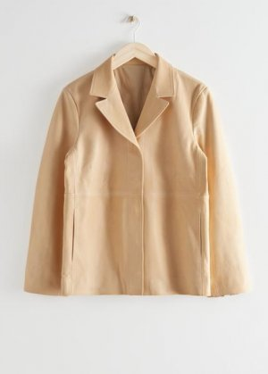 Кожаная куртка на пуговицах &Other Stories. Цвет: бежевый