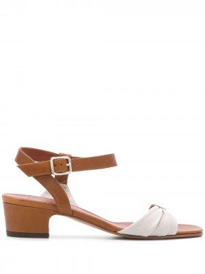 Босоножки Hoku на каблуке Michel Vivien. Цвет: коричневый