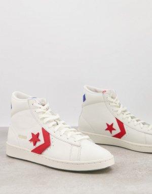 Кожаные высокие кроссовки белого цвета с красными вставками в университетском стиле Pro-Белый Converse
