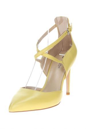 Босоножки Barcelo Biagi. Цвет: желтый