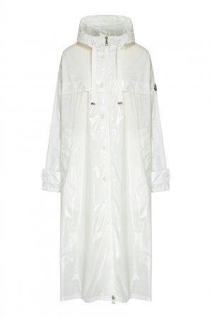 Белый плащ-дождевик с капюшоном Moncler. Цвет: белый