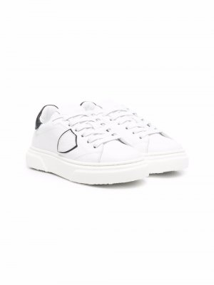 Logo-patch lace up sneakers Philippe Model Kids. Цвет: белый
