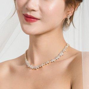 18K Позолоченный с цирконом цветком Ожерелье & Серьги SHEIN. Цвет: золотистый