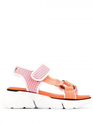 Сандалии на платформе с ремешками липучках Grey Mer. Цвет: розовый