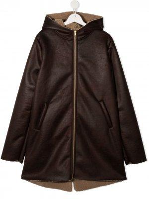 Пальто с капюшоном Douuod Kids. Цвет: коричневый