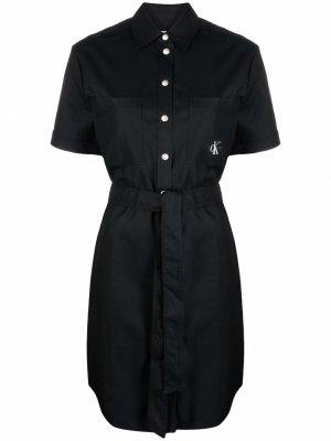 Платье-рубашка с вышитым логотипом и поясом Calvin Klein Jeans. Цвет: черный