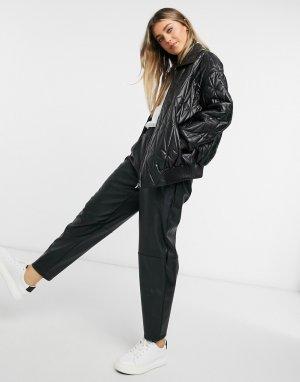 Черная стеганая куртка-бомбер из искусственной кожи -Черный цвет ASOS DESIGN