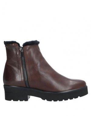 Полусапоги и высокие ботинки PAS DE ROUGE. Цвет: коричневый