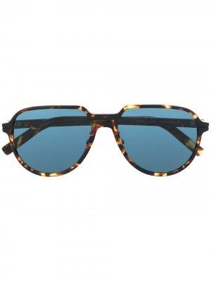 Солнцезащитные очки Dior Essential Eyewear. Цвет: коричневый