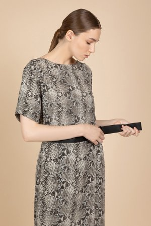 Платье с коротким рукавом VASSA&Co. Цвет: коричневый