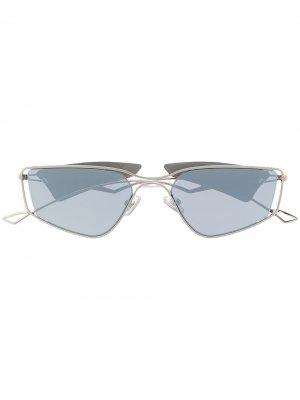 Солнцезащитные очки-маска Gentle Monster. Цвет: серебристый