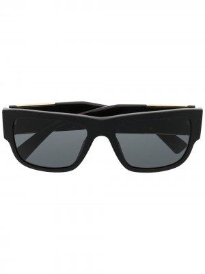 Солнцезащитные очки в прямоугольной оправе с декором Medusa Versace Eyewear. Цвет: черный
