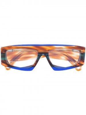Солнцезащитные очки Lunnes с узором Jacquemus. Цвет: разноцветный