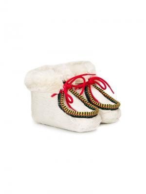 Пинетки со шнуровкой и цигейкой Pèpè. Цвет: белый