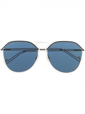 Солнцезащитные очки в массивной оправе Fendi Eyewear. Цвет: золотистый