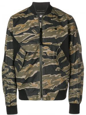 Куртка-бомбер с камуфляжным принтом G-Star. Цвет: зеленый