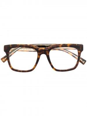 Очки в квадратной оправе черепаховой расцветки Givenchy Eyewear. Цвет: коричневый