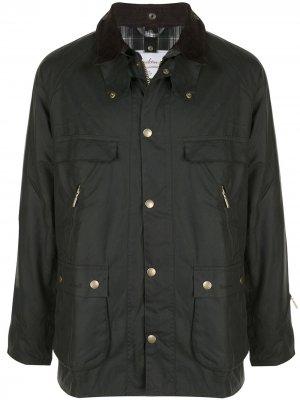 Куртка с карманами Barbour. Цвет: черный