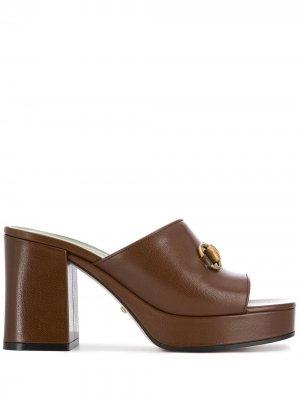 Мюли на платформе Gucci. Цвет: коричневый