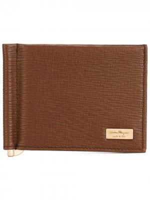 Классический бумажник Salvatore Ferragamo. Цвет: коричневый