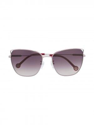 Солнцезащитные очки в оправе кошачий глаз Carolina Herrera. Цвет: розовый