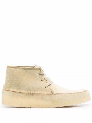 Ботинки на шнуровке Clarks Originals. Цвет: нейтральные цвета