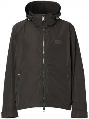 Непромокаемая куртка с потайным капюшоном Burberry. Цвет: коричневый