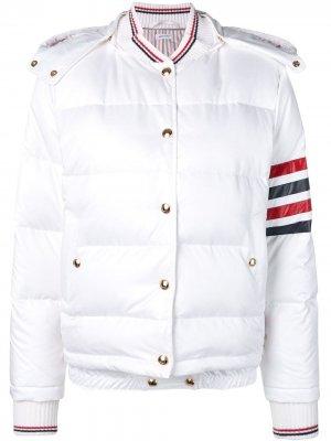 Куртка-бомбер с полосками Thom Browne. Цвет: белый