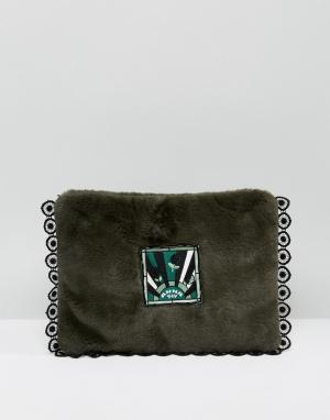 Клатч из искусственного меха Anna Sui. Цвет: зеленый