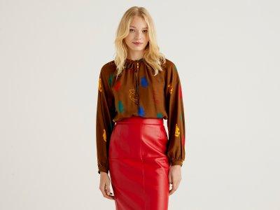 Блузка из эко вискозы Benetton. Цвет: мультиколор