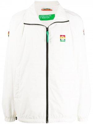 Куртка с принтом Benetton. Цвет: белый