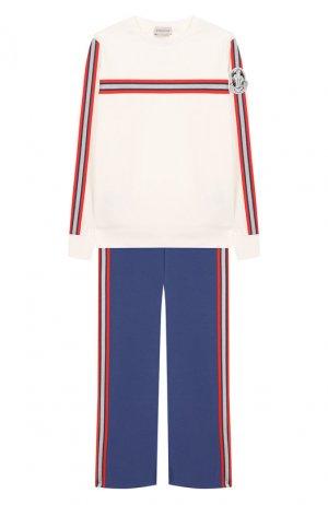 Комплект из хлопкового свитшота и брюк Moncler Enfant. Цвет: белый