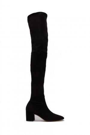 Черные замшевые ботфорты Maje. Цвет: черный