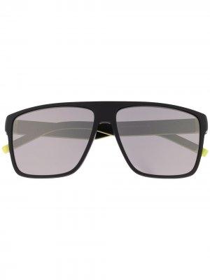 Солнцезащитные очки в массивной оправе Tommy Hilfiger. Цвет: черный