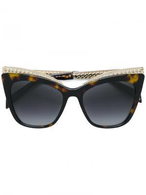 Солнцезащитные часы в черепаховой оправе с цепочкой Moschino Eyewear. Цвет: коричневый