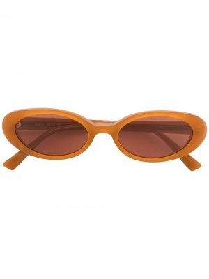 Солнцезащитные очки Dua BC1 в овальной оправе Gentle Monster. Цвет: коричневый