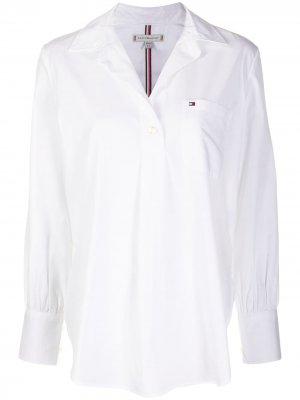 Рубашка Girlfriend с контрастными полосками на спине Tommy Hilfiger. Цвет: белый