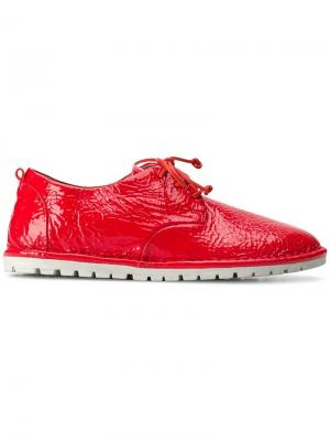 Кроссовки на шнуровке Marsèll. Цвет: красный