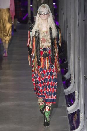 Кожаная куртка с бахромой Gucci. Цвет: multicolor