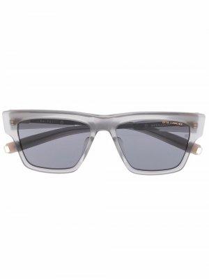 Солнцезащитные очки в прозрачной оправе Dita Eyewear. Цвет: серый