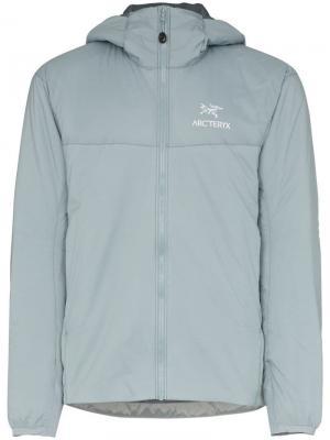 Куртка с капюшоном Atom LT Arc'teryx. Цвет: серый